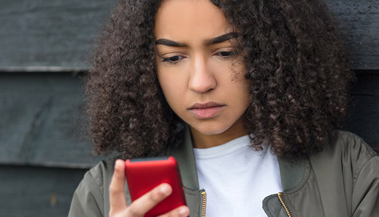 Kids Help Phone sees surge in demand as anxieties rise due to COVID-19